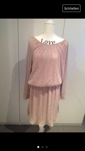 Bezauberndes Kleid von Sienna