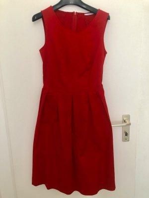 Biancoghiaccio schönes rotes Kleid