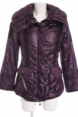 Biba Winterjacke dunkelviolett Street-Fashion-Look