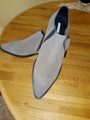 Zapatos formales sin cordones gris