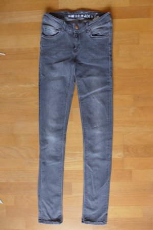 Bik Bok Never Denim Skinny Röhre Jeans extralang grau Gr. 26 34/36