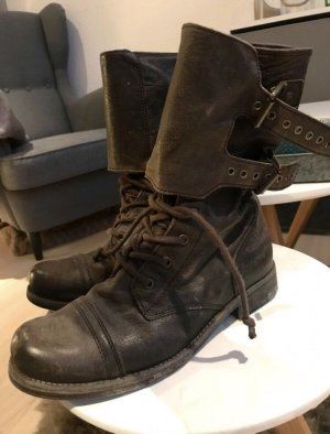 Bikerstiefel von ALL SAINTS im Wasted-Look