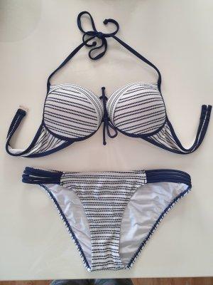 Bikini blanco-azul oscuro