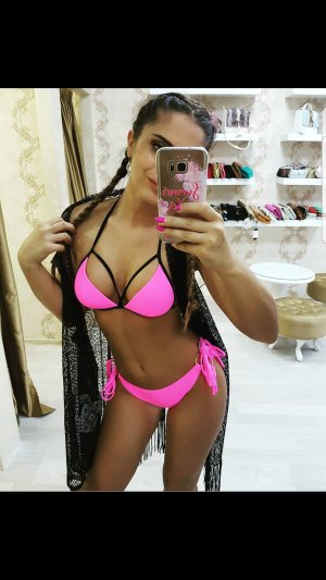 Bikini Bondage Cut Out Bandage Pink Schwarz Rosa Fransen Schnür