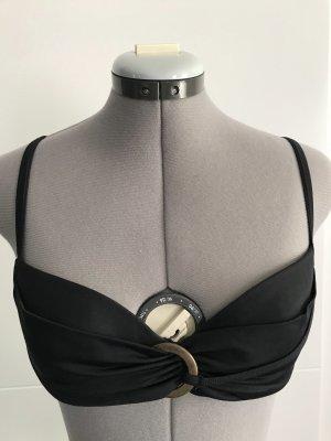 Bikini  in schwarze  Farbe aus  elasthan