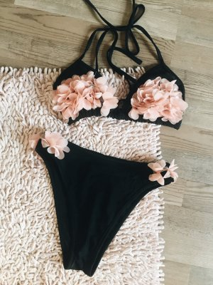 Bikini lareveche Triangl Blogger Fashion new neu 3D Blumen rosa schwarz