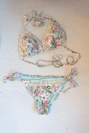 Bikini mit Blumenmuster und Spitze NEU