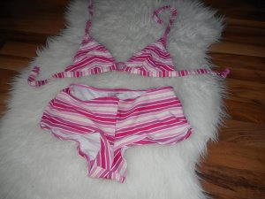 Bikini mit Hotpants!