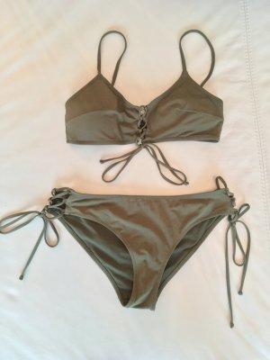 Bikini mit Schnürung