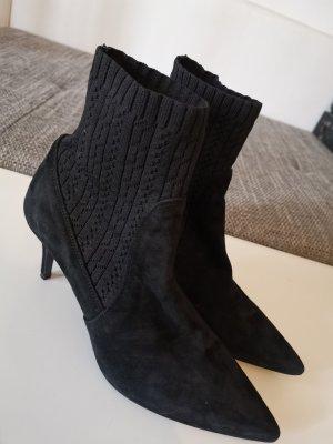 Billi Bi Pointed Toe Pumps black