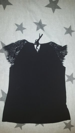 Billie&Blossom By Dorothy Perkins schwarze Bluse mit Spitzeneinsatz an den Schultern