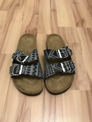 Sandalias cómodas negro-blanco
