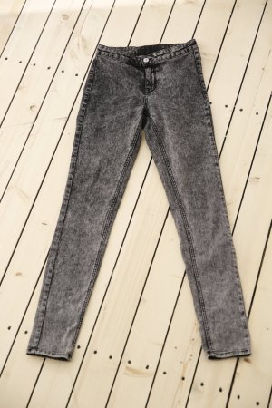 Black Acid Washed Jeans von H&M