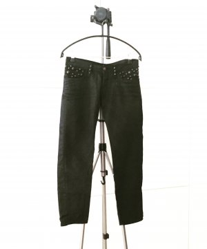 black denim / jeans mit nieten / replay
