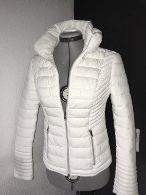 Tolle GUESS Luxus Winterjacke Neu weiß / creme XS