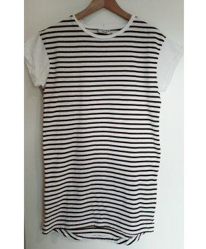 black 'n white T-shirt dress