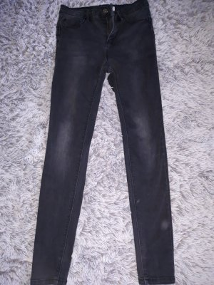 Black skinny pushup jeans