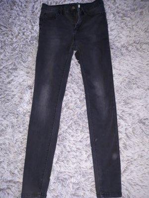 Black skinny pushup jeans