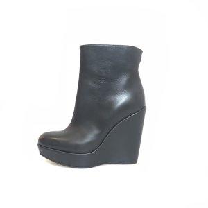 Black  Stuart Weitzman Boot