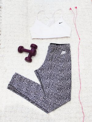 Black & White | Nike Sport Tights schwarz-weiß gemustert