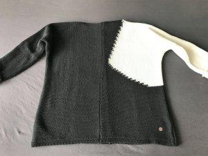 Black/White  Oversize Pulli von Frapp 42