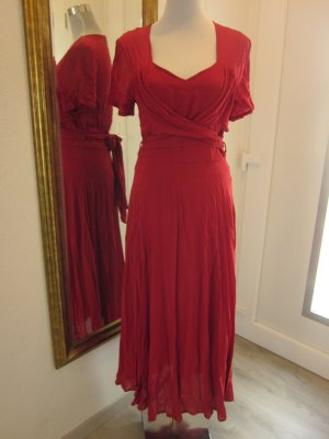 Blacky Dress Kleid Rot Lang Gr 36