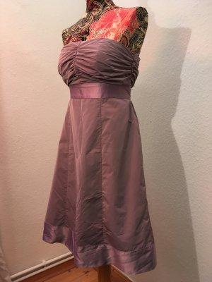 Blasslilanes Kleid von Esprit