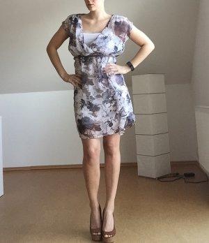 Blau-braunes Sommerkleid