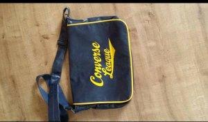 Blau-gelbe Converse Tasche