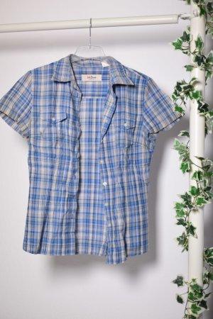 Blau kariertes Holzfällerhemd