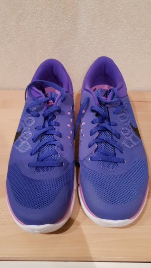 Nike Lace-Up Sneaker lilac-blue