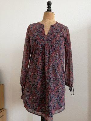 blau-rotes Chiffon Kleid mit Paisleymuster von Mango Casualwear