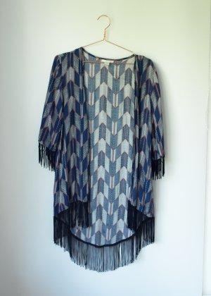 blau weiß gemusterter Kimono Überwurf mit schwarzen Fransen Amisu S