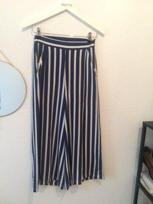 Blau-weiß gestreifte Culotte Hose von Mango