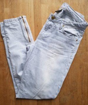 blau weiß gestreifte Jeans mit heller Waschung von Mango