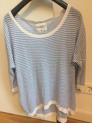 Blau-weiß gestreiftes Longshirt