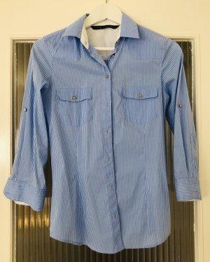 Blau-weiße Hemdbluse