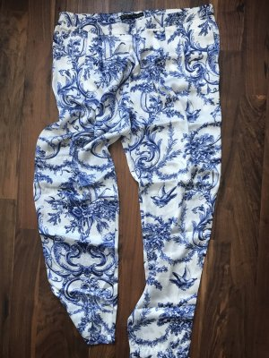 Blau-weiße Stoffhose von Zara