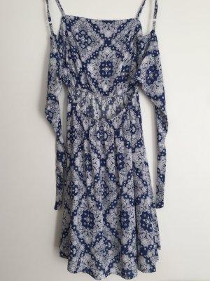 blau weißes Sommerkleid