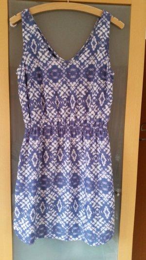 Blau/Weißes Sommerkleid von Mango