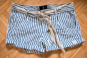 """blau-weißgestreifte Shorts von """"Maison Scotch"""""""