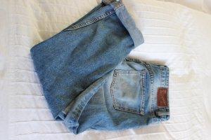 Blaue ausgewaschene Boyfriend Jeans