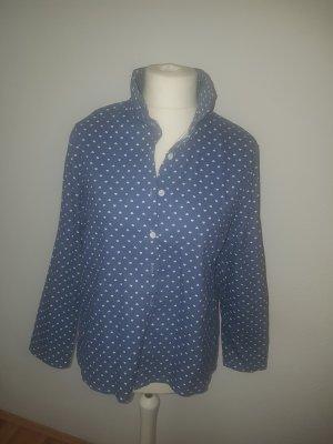 Blaue bedruckte Bluse