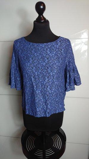 Blaue Bluse aus Spitze
