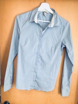 H&M Cuello de blusa azul celeste-blanco