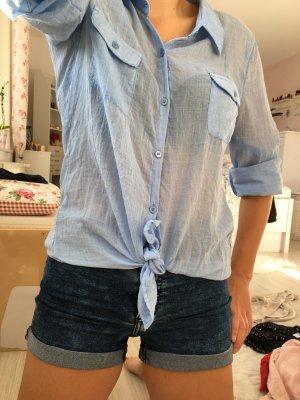 blaue Bluse langärmelig