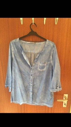 Blaue Bluse von Comma