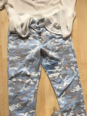 Blaue Camouflage Hose