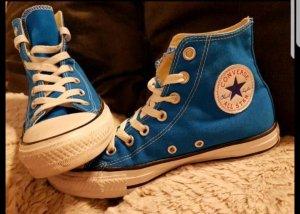 blaue Chucks 37