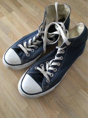 Blaue Chucks